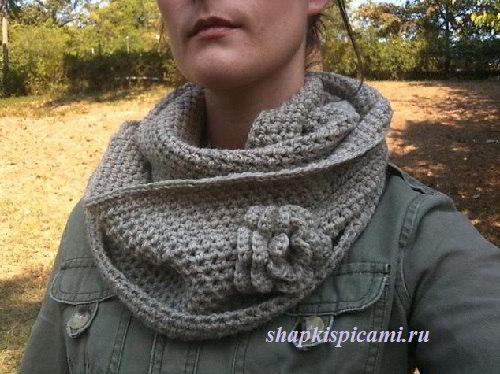 вязаный шарф хомут крючком из полустолбиков