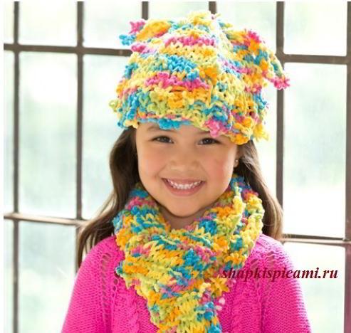 детская вязаная шапка и шарф спицами