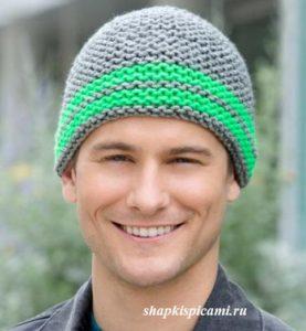 простая мужская вязаная шапка с полосками