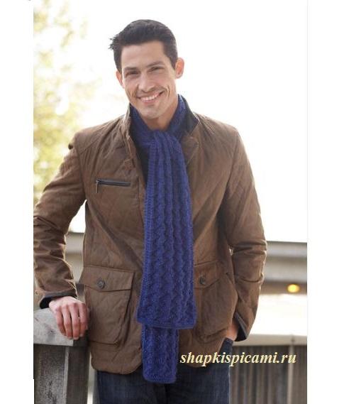 мужской вязаный шарф спицами с узором зигзаги однотонный