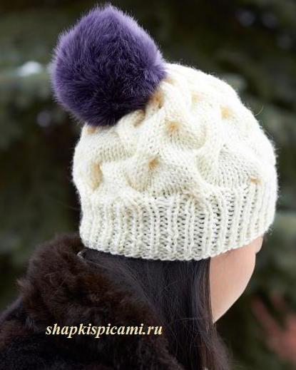 вязаная женская шапочка с помпоном из меха