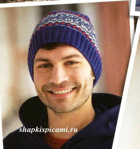 синяя шапка спицами для мужчины с рисунком