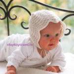 вязаный чепчик спицами для малыша на завязках